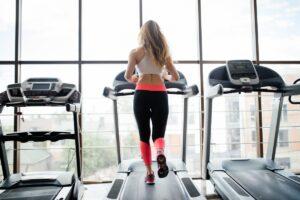 Pourquoi choisir un tapis de course plutôt qu'une salle de sport
